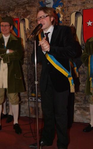 Le maire de Savigny: Sylvain Jacob.
